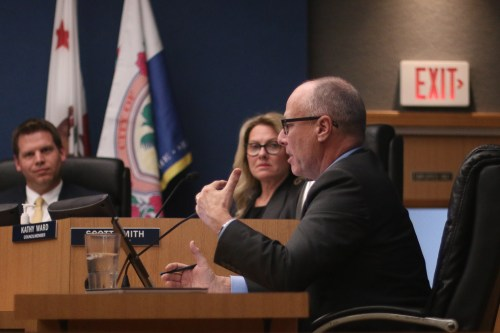 San Clemente city attorney Scott Smith explains to councilmember on Tuesday, Feb. 6, that a Riverside Superior Court judge sided that the city and The Reserve Maintenance Corporation could proceed with major portions of their lawsuits. Photo: Eric Heinz