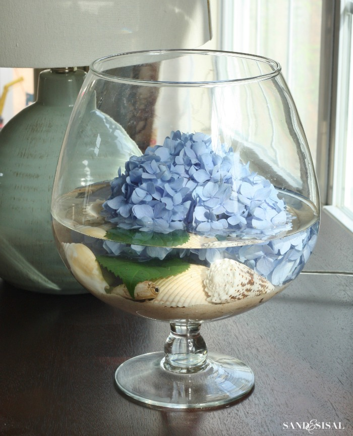 Hydrangea Arrangement Ideas Sand And Sisal