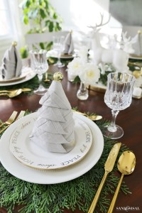 Christmas Dinner Tablesetting Ideas - Sand and Sisal