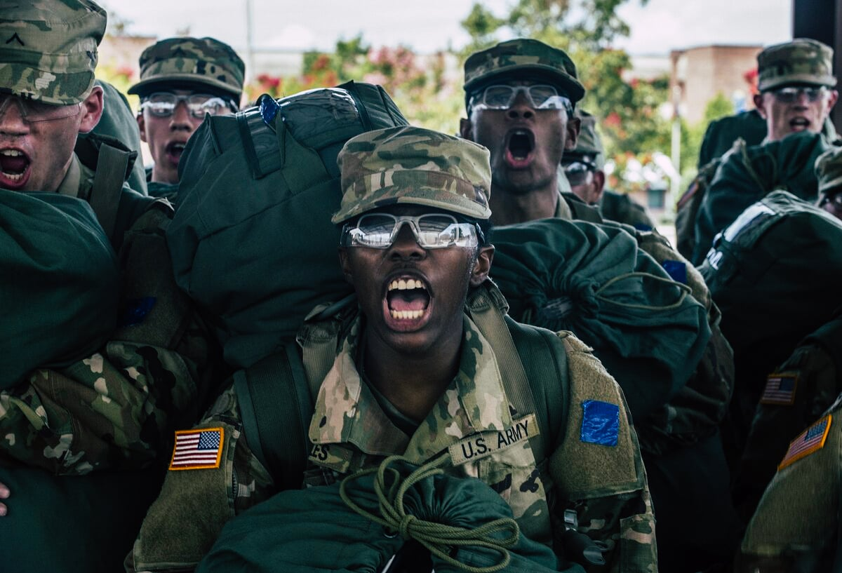 What can you expect when you arrive at Army Basic Training ...