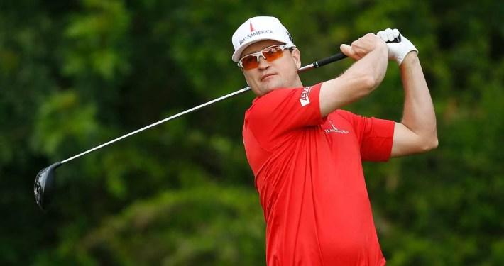 Zach Johnson playing golf