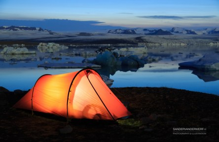 Red tent during the evening at the Jokulsarlon lagoon.