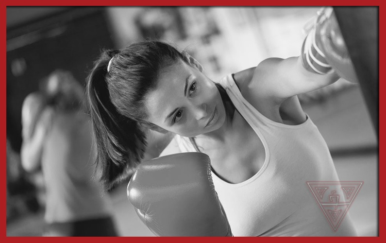Kickstart Your New Year's Resolution with the 7-Minute Kickboxing Drill
