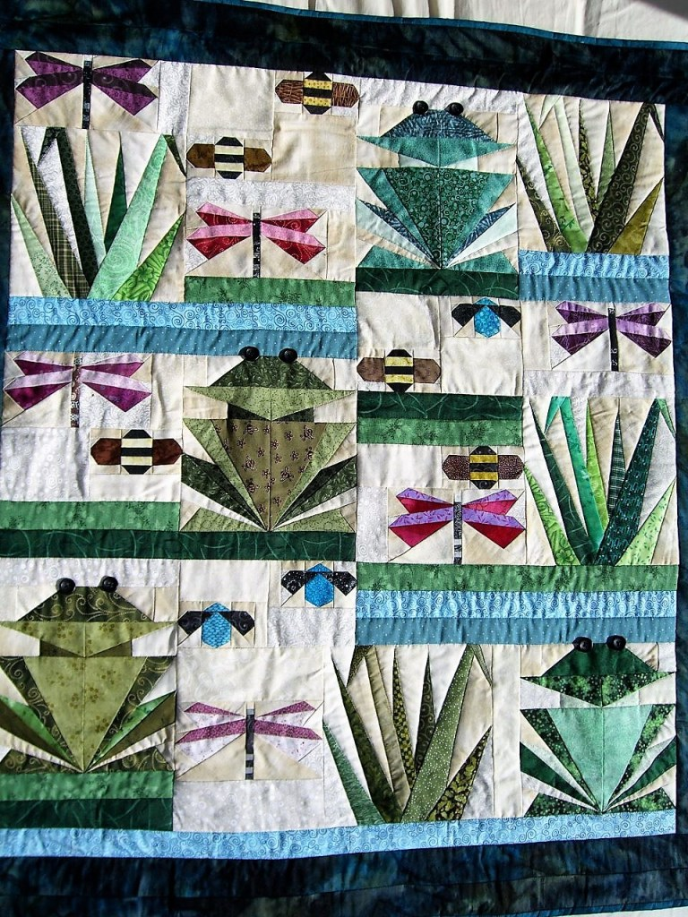 Paper pieced frog quilt
