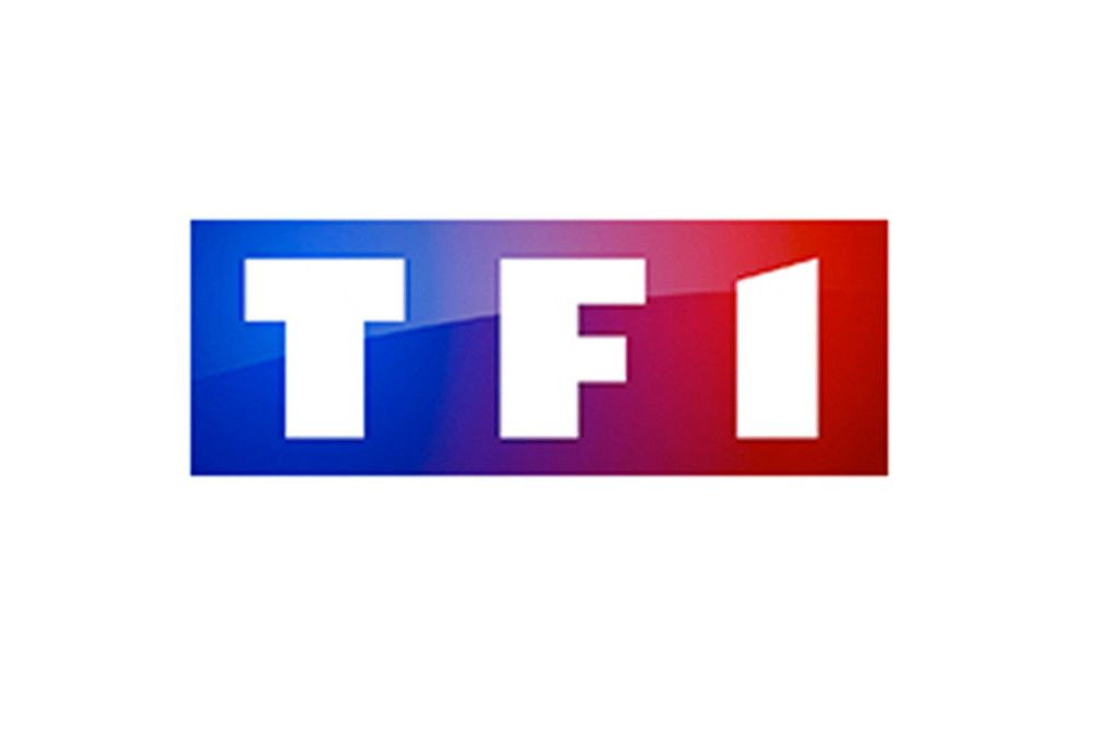 Within each store are shelves of products, each tagged with a company logo that tells consumers who provides that parti. tf1-change-son-habillage-et-son-logo - Sandra Le Grand