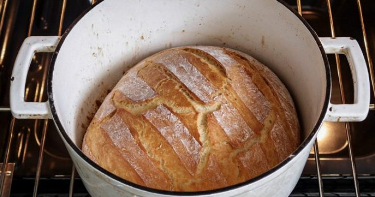 Dutch Oven Bread: Bread for beginners