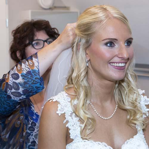 Bruidsmakeup  bruidskapsel aan huis in het Westland