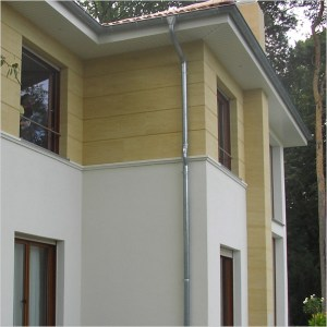 Sandstone facade cladding with joint pattern on a family home