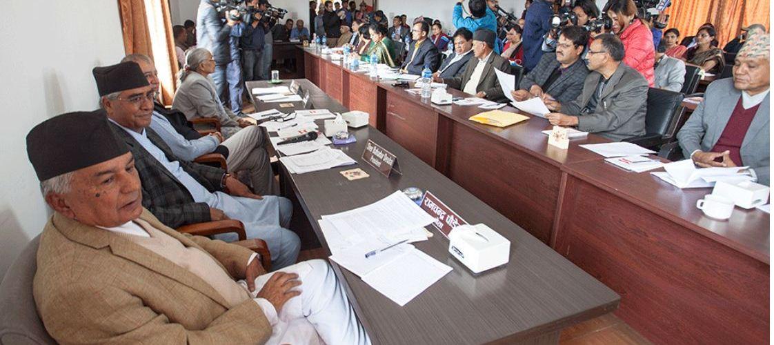 कांग्रेस बैठकमा बिबादै विवाद हिन्दु राष्ट्र कायम गर्न जनमतसंग्रहको माग