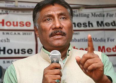 राष्ट्रिय मधेस समाजवादी पार्टीका संस्थापक नेता भरतप्रसाद साह लगायत दर्जनौ जिल्लास्तरीय नेता कार्यकर्तादवारा पार्टी परित्याग