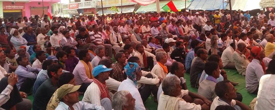 फोरम नेपाल बन्दै मधेश, ठाकुर, महतो र यादवको गृहजिल्ला सर्लाहीका हजारौं कार्यकर्ता फोरम नेपालमा प्रवेश गर्दै