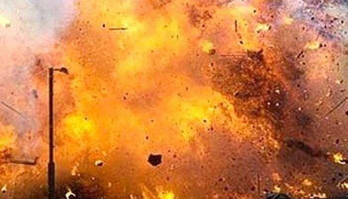 ओलीको घरमा बम विस्फोट, अर्को बम डिस्पोजगर्न नेपाली सेनाको डिस्पोजल टोली घटनास्थलमा