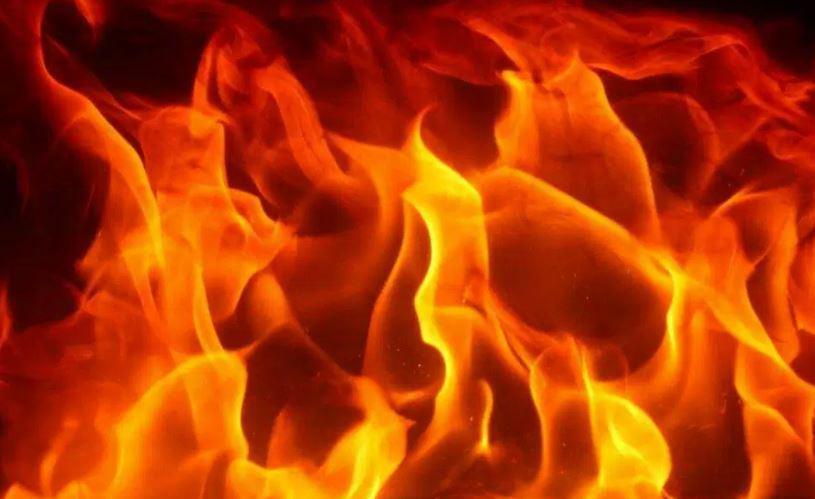 रौतहटको बौद्धीमाइ नगरपालिका मा आग्लागी हुँदा लाखौंको क्षति