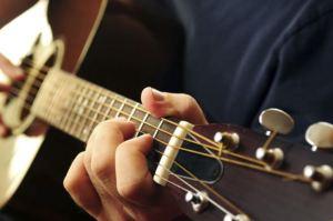 chitarra-chiesa