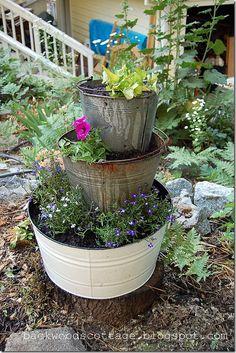 fiori,vasi,shabby,arredo shabby,giardinaggio,tazze