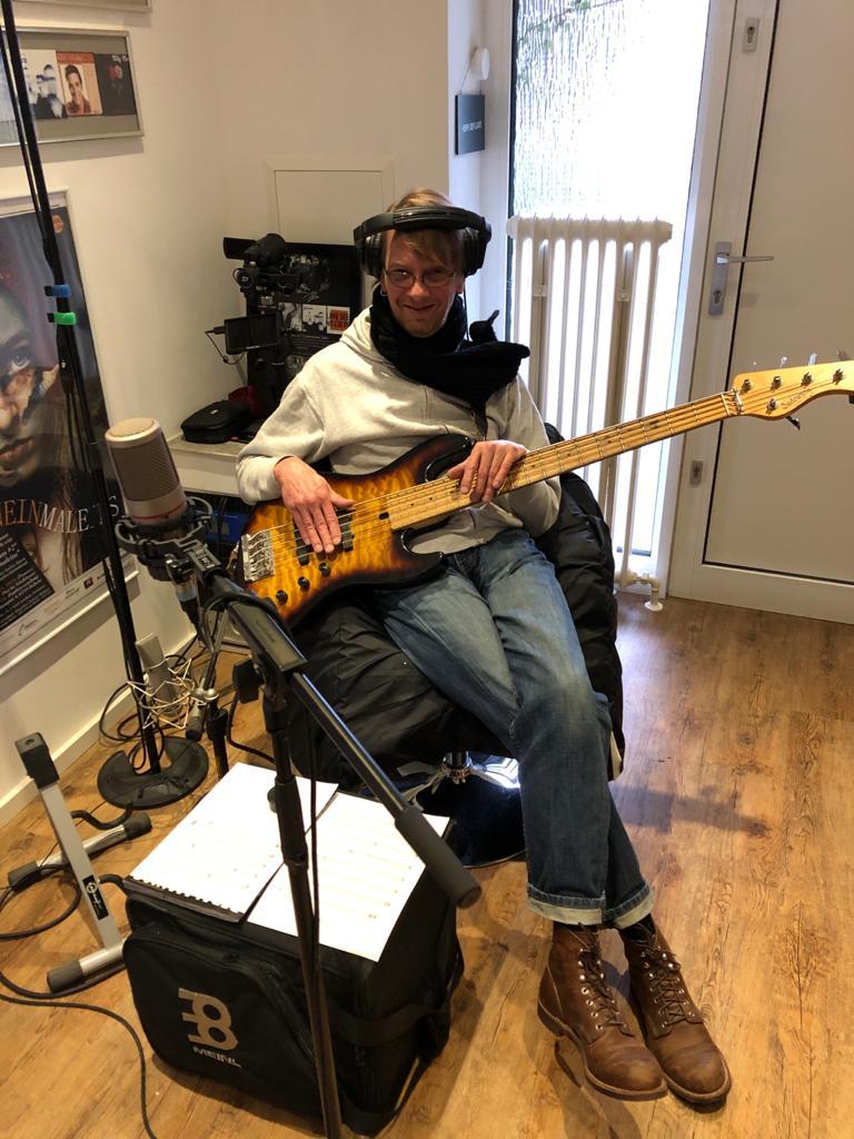 Dennis Bergmann, Bass