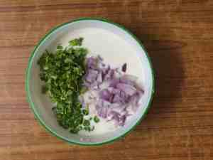 Rava uttapam -onion,chillies&coriander