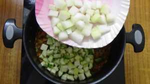 Thiruvathirai kuzhambu -ash gourd