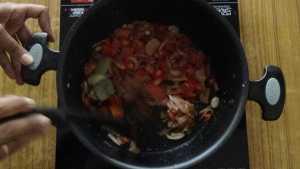 Prawn biryani -cook tomatoes