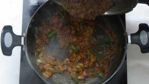 Thattapayaru kuzhambu -cooked cowpeas