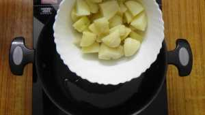 Aloo matar -boiled potatoes