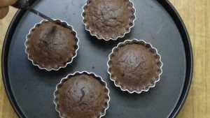 Chocolate moist cupcake -loosen