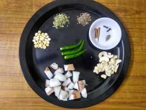 White kurma -masala items
