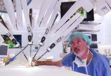 El robot Da Vinci Xi opera cáncer de colon y recto