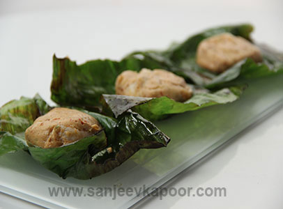 Tandoori fish tikka recipe sanjeev kapoor chekwiki for more recipes related to banana leaf seafood kabab checkout amritsari fish lasooni tikka chilli with forumfinder Choice Image
