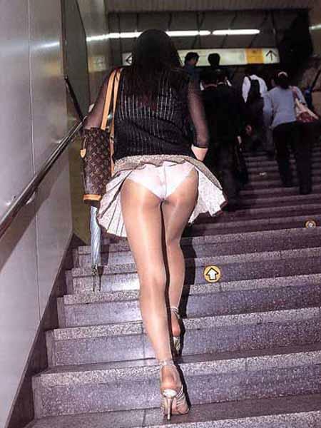 階段パンチラ10