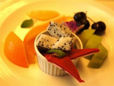 豊島将之八段が注文したフルーツ盛り=17日午前、東京都千代田区の都市センターホテル