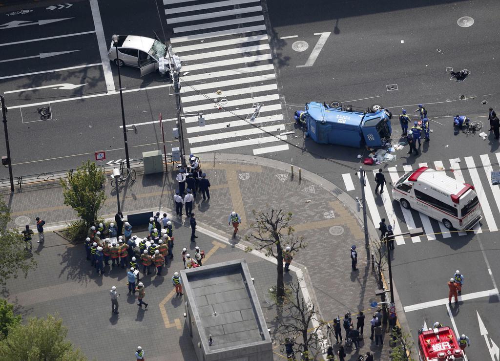 東京・池袋で交通事故 10人負傷,一般道路について,2人重體か - 産経ニュース