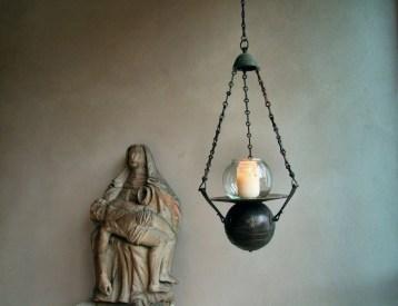"Ntschau_Lampe aus Montecassino im Kreuzgang der M""nche"