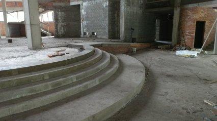 budowa_wylane_schody_prezbiterium2018_06