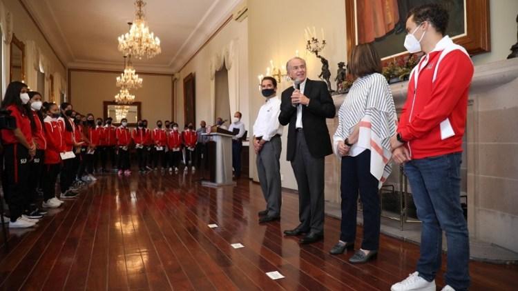 Gobernador JM Carreras reconoce a deportistas que representaron a SLP en Juegos Nacionales CONADE y Olímpicos