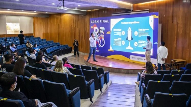 Reto San Luis Emprende 2021 reconoce a las cinco mejores ideas de negocio.