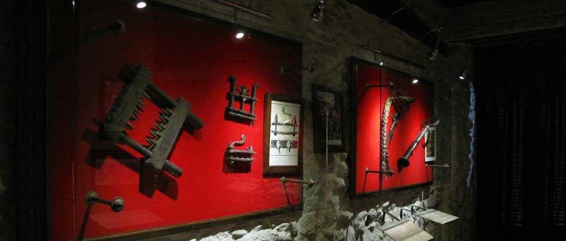 Museo della Tortura San Marino congengi e strumenti dei torturatori