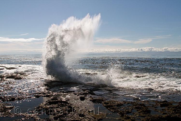 Grote Golven Voor De Kust Bij Botanical Beach Op Vancouver