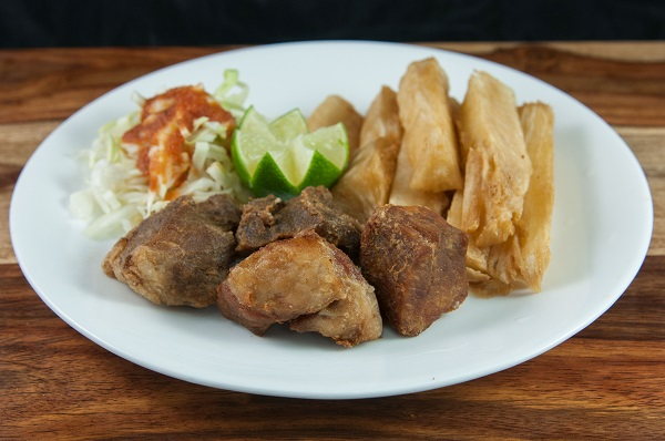 16. Yuca con Chicharron
