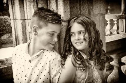Fotografía de niños en blanco y negro