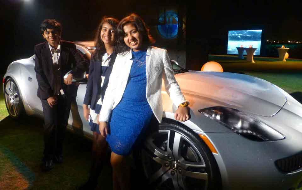 Kehkashan With Team In Launch Of World's First Env Friendly Car