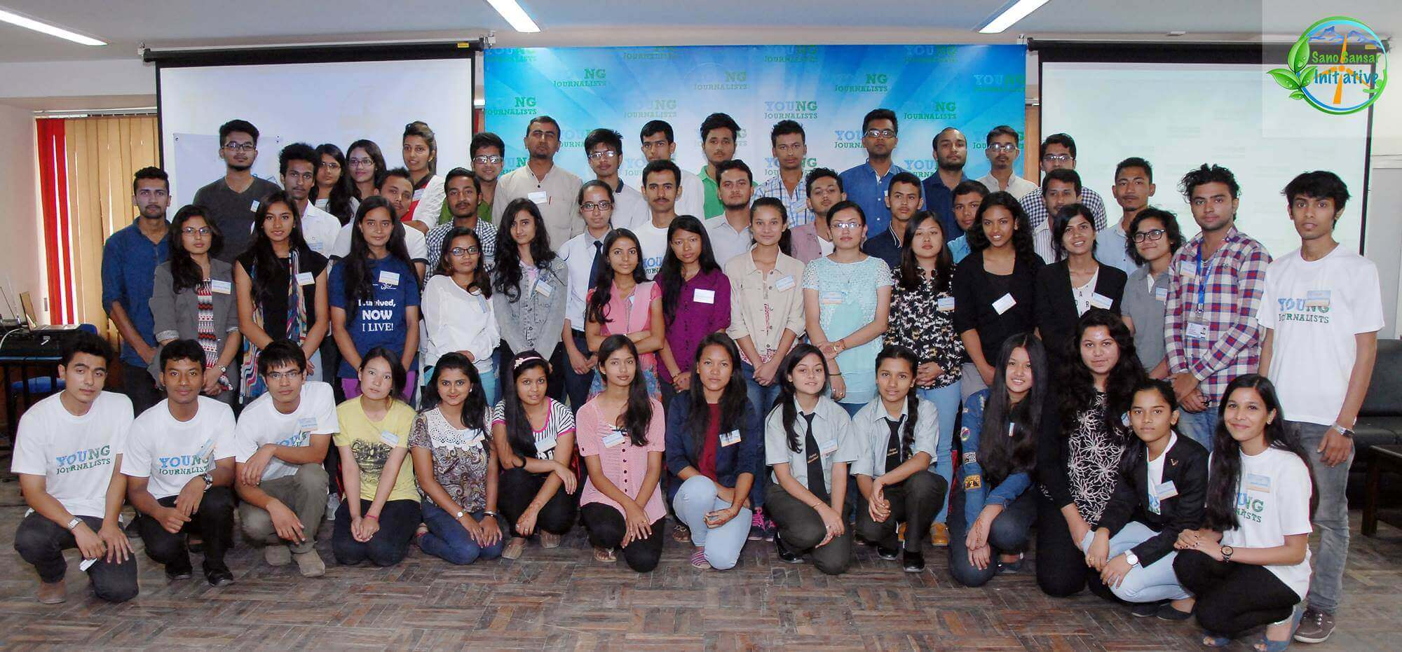 young-journalists-group-2015