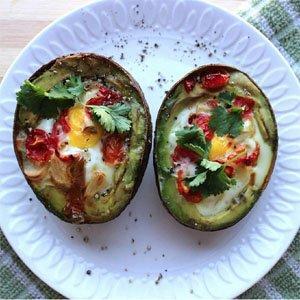 Aвокадо с пържени яйца