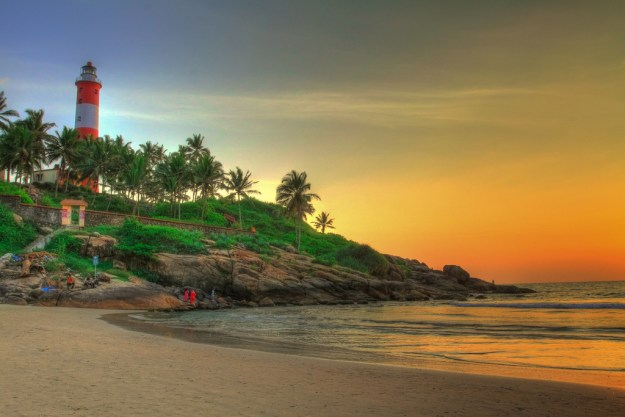 By mehul.antani - Flickr: Kovalam Beach, Kerala, CC BY 2.0, https://commons.wikimedia.org/w/index.php?curid=18684377