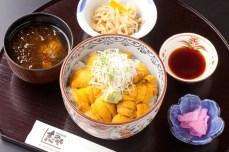 【季節料理 志のや】南三陸キラキラうに丼