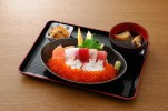 【弁慶鮨】海鮮ネタにたっぷりイクラの丼です。¥2,500