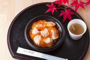 今週のイチ丼!「山内鮮魚店」のキラキラ秋旨丼!