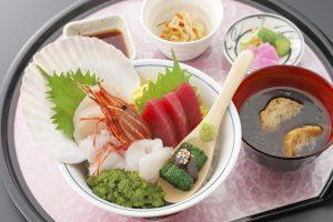 今週のイチ丼!「食楽 しお彩」のキラキラ春つげ丼!
