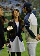 台湾人気女子アナが西武・郭俊麟を直撃