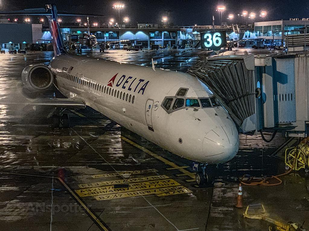 Delta 36 717